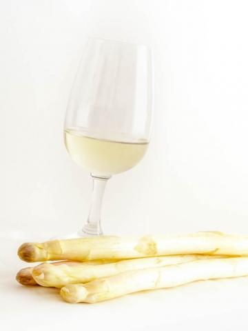 Food-Foto: Weißwein und Spargel