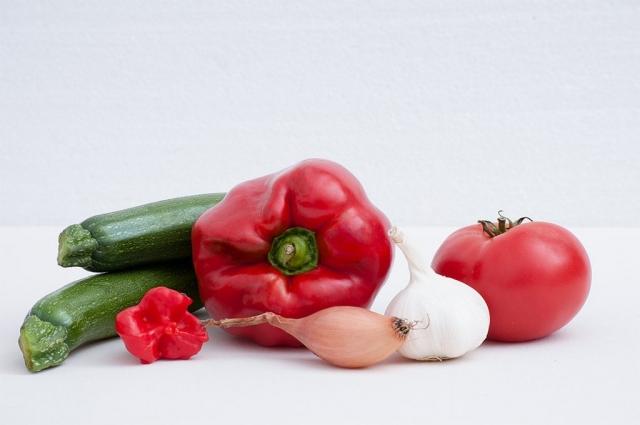 Gemüsearrangement ohne Aubergine